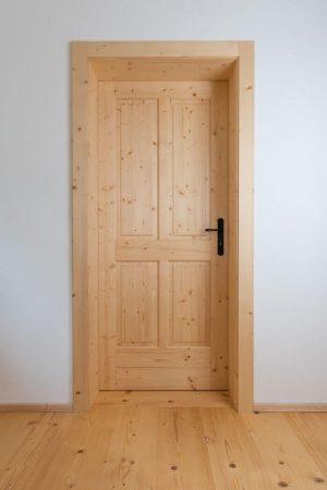 Стари дървени врати. Какво може да се направи?